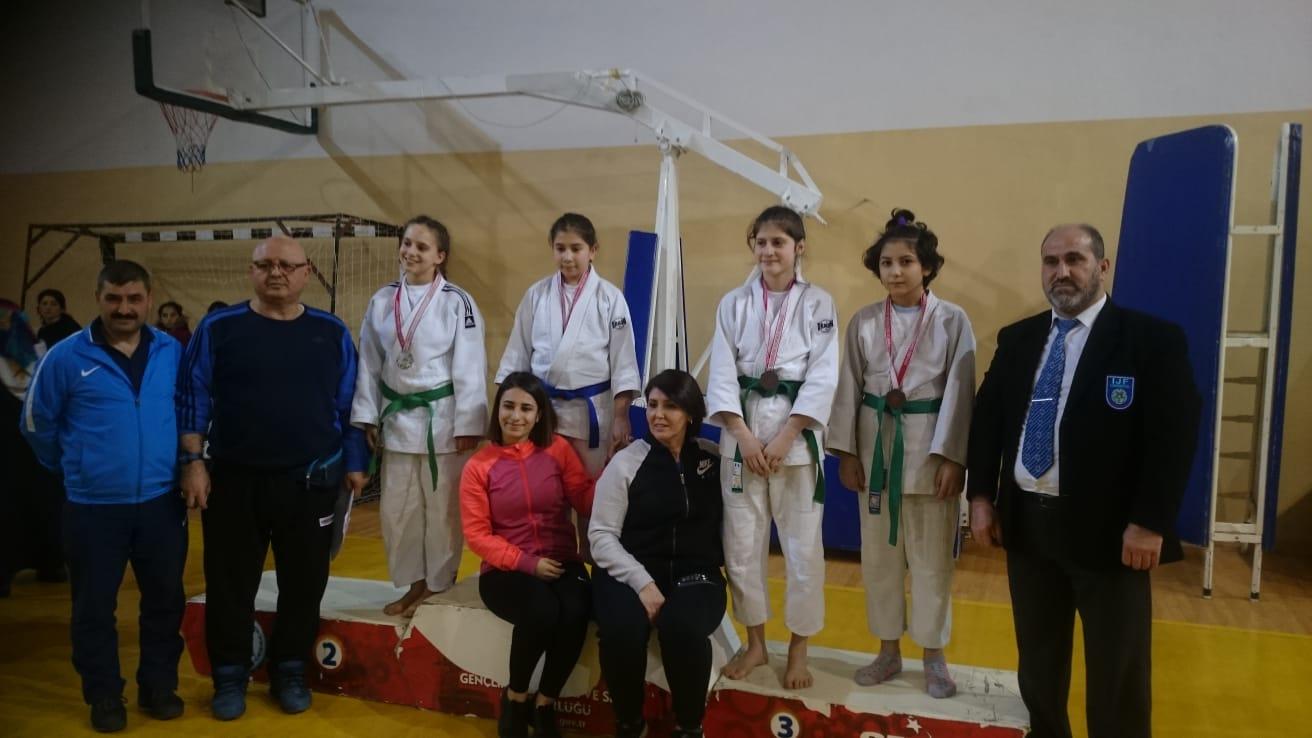 Judo Okular arası Yıldızlar İl seçmesinde sporcularımız... - HABERLER - MAVİ HALİÇ Gençlik ve Spor Kulübü Derneği | Mavi Haliç