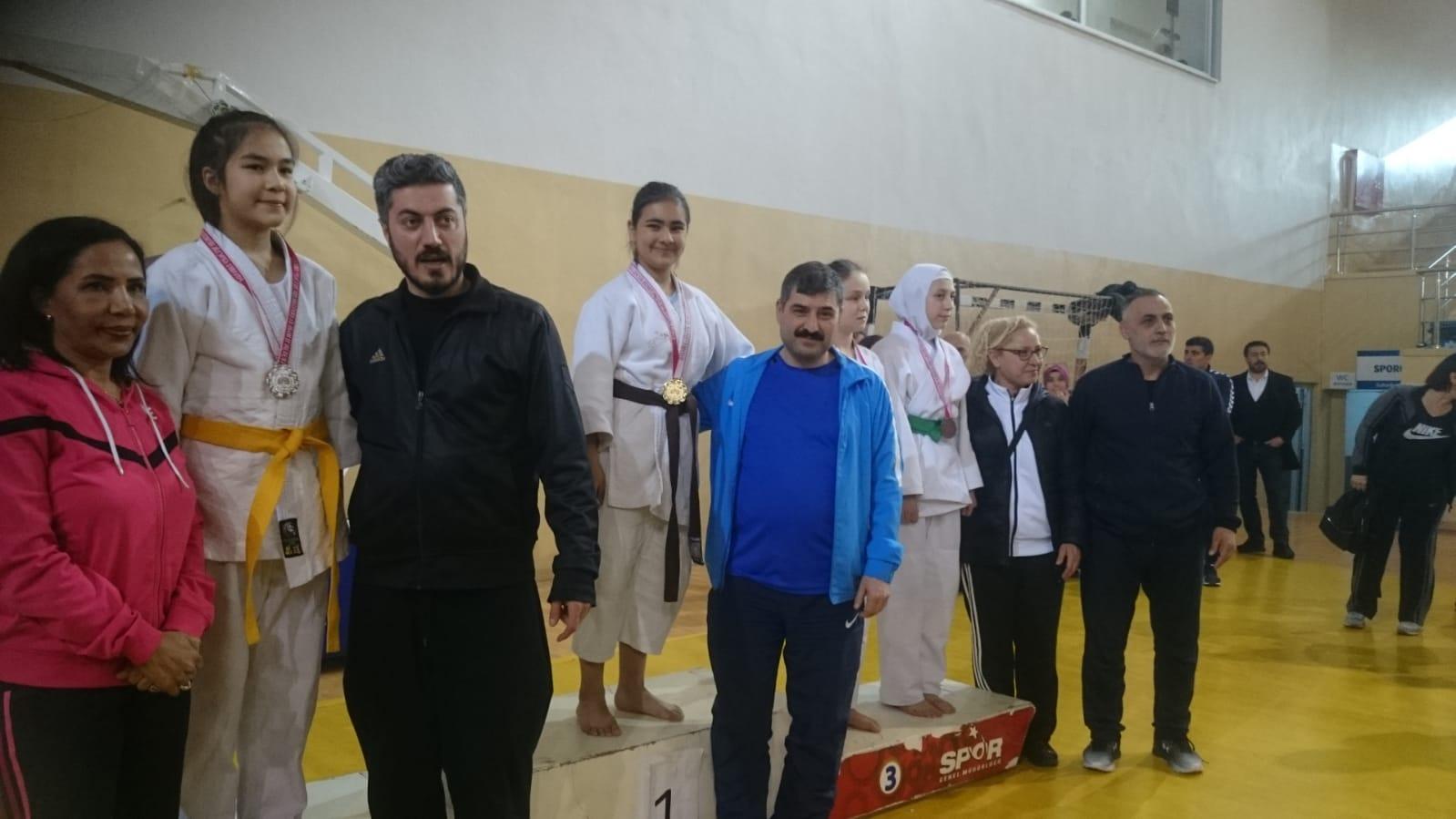 Judo Okullar arası Küçükler il seçmesinde sporcularımız  - HABERLER - MAVİ HALİÇ Gençlik ve Spor Kulübü Derneği | Mavi Haliç