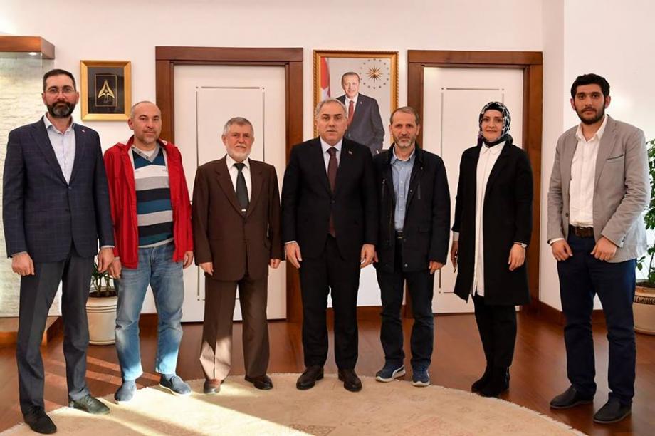 Fatih Belediye Başkanı Sayın Ergün Turan beyi makamında ziyaret ettik. - HABERLER - MAVİ HALİÇ Gençlik ve Spor Kulübü Derneği   Mavi Haliç