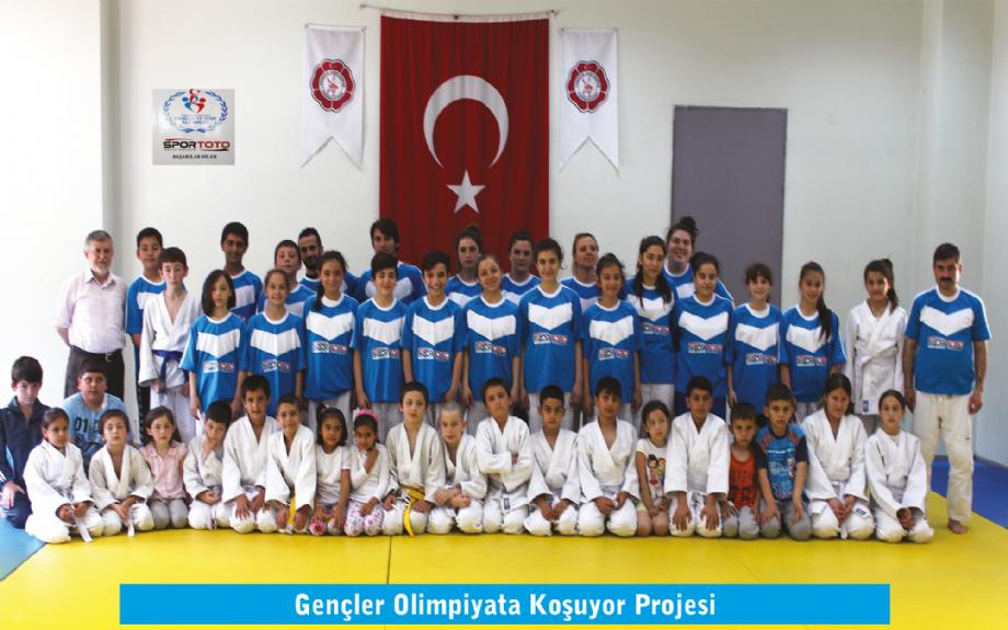 Gençler Olimpiyata Koşuyor Projesi - MAVİ HALİÇ Gençlik ve Spor Kulübü Derneği | Mavi Haliç
