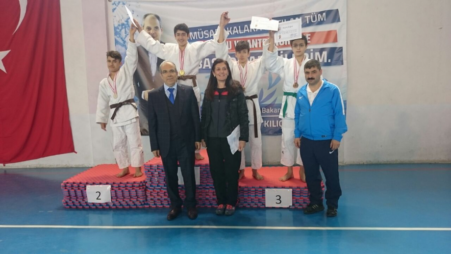 Yıldızlar Okullar Arası Judo Müsabakaları - MAVİ HALİÇ Gençlik ve Spor Kulübü Derneği | Mavi Haliç