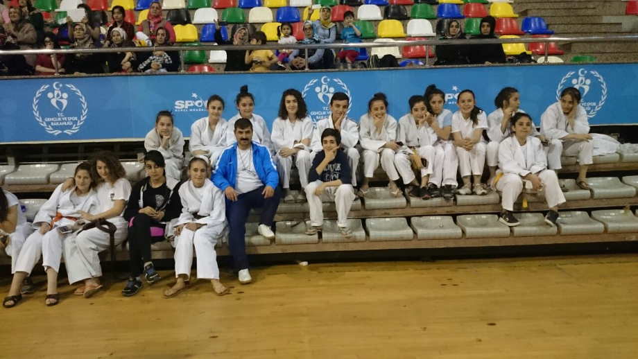 Dostluk Turnuvası - MAVİ HALİÇ Gençlik ve Spor Kulübü Derneği | Mavi Haliç